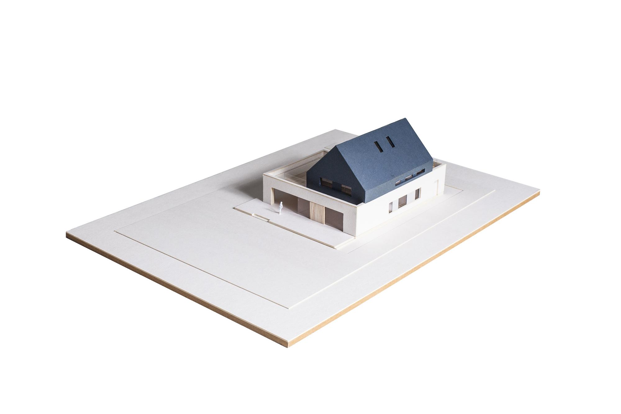 MLC-ZLO-dom-model-05w copy
